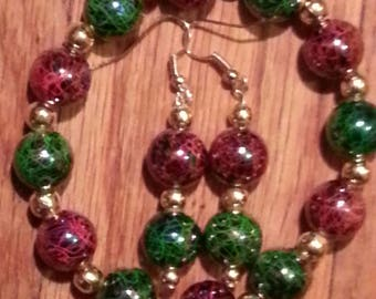 Green and Red Veined Bracelet and Earring Set/PRICE REDUCED