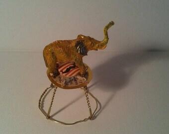 BARNUM MINI figurine