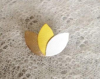 "Brooch ""3 petals"" white/yellow/gold leather"