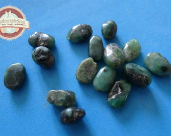15 5x9mm green Indian glass oval beads