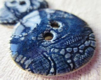 Set of 2 bright blue engraved buttons - porcelain button - Sewing button