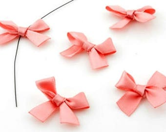 10 to put on or hang on any medium 29x23mms satin bows