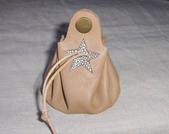 Coin purse is beige leather - silver handmade