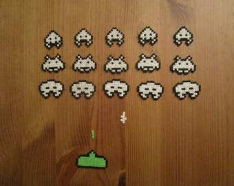 Pixel Art/beading - {Space Invaders} - Aliens and laser Cannon
