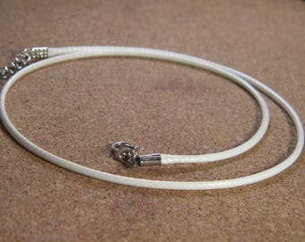 45 cm Choker - leather white AC6 waxed cotton