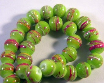 50 glass beads 8 mm drawn honeydew PV80-14