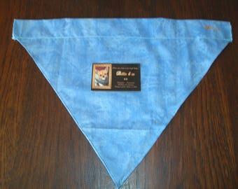 Interchangeable blue bandana for large dog