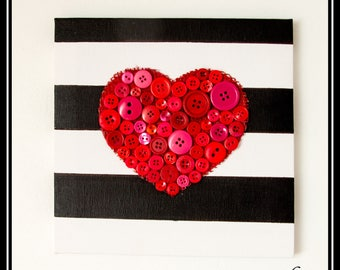 Canvas embedded heart pink/red buttons
