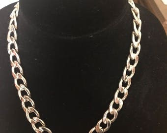 Silver chain necklace