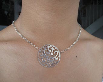 Crafted in 925 sterling silver Medallion Choker necklace