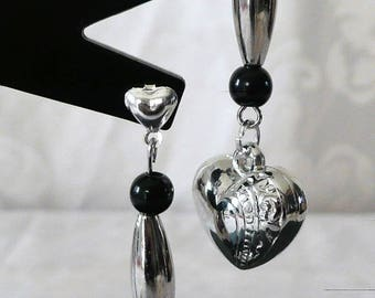 6cm black beads and Silver Heart Earrings