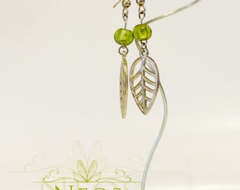 Earrings with leaves, beads with silver pendant