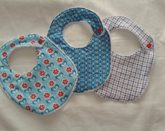 White Terry cloth baby bibs snap size 0-6 months spirit seventies