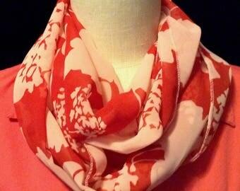 Red circle scarf