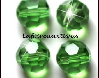10 x Round 6 mm Green Crystal