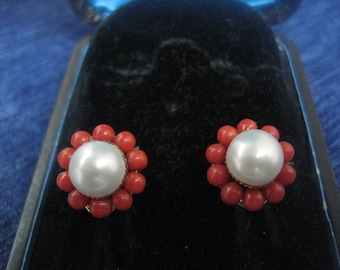 Earclip with plug. Silver plated, Coral and pearl ca. 1950