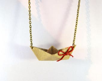 Origami boat necklace seem full bow