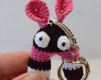 Keychain amigurumi fuchsia and black
