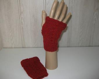 Burgundy color wool mittens