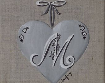 Table shabby chic heart personalized with initial M on linen
