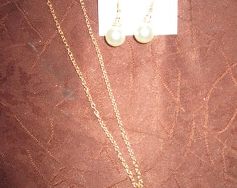 set with Golden Pearl
