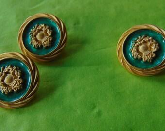 Gold fancy round button set of 3