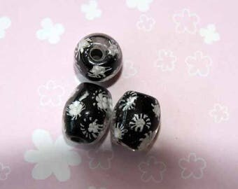 Set of 3 glass beads, black with white flowers on the inside, style oval 20x15mm