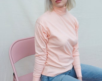 vintage light pink/peach turtleneck perfect for spring S / M made in USA