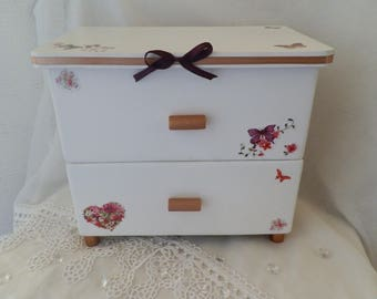 Small wooden chest of spring
