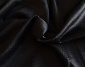 Gabardine de laine pour costume noire 195x152cm