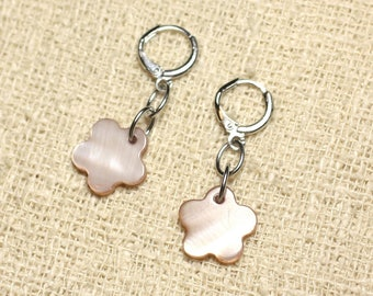Mother of Pearl flower 15mm Beige earrings