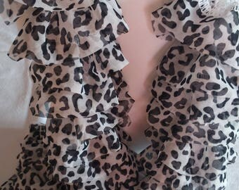 Ruffle scarf in black and white LEOPARD pattern fabric