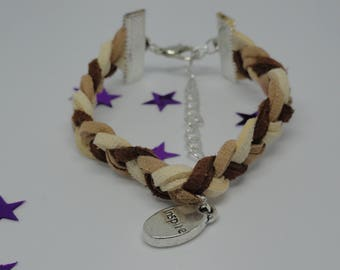 Suede braided bracelet in brown tones with message charm