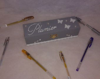 Pencil case grey and white theme