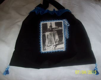 """""""Retro"""" black cotton bag. (Singer and old lace)"""