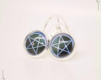 Wicca Pentagram Pentacle glass Cabochon earrings