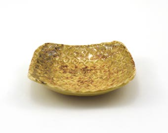 Yellow Aberdeen White Stoneware Dish
