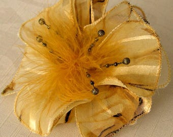 Small hair clip flower fabric & feathers and pearls 058