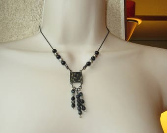 Necklace black and silver