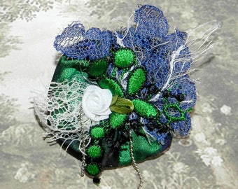 Lace blue and green brooch
