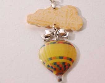 Cloud and balloon, beige and yellow pendant, bow