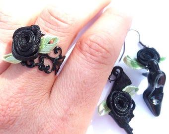 "Ring ""Pulp Fiction"" pink satin, black filigree ring."