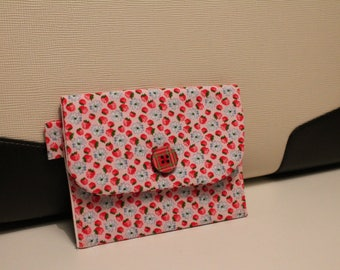 Small red wallet with pattern