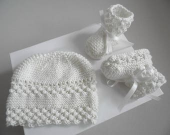 Set hat and booties knitting baby wool handmade