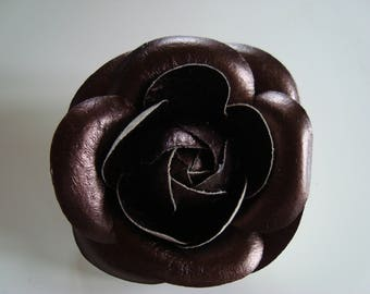 Brown leather Camellia flower brooch / chocolate shiny - 8 cm