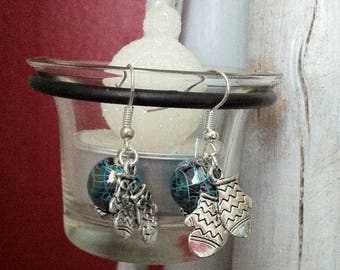 """Earrings """"mittens"""" and Pearl acrylic style painting"""