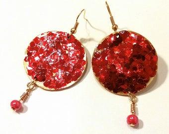 red glitter gold earrings with bead/earrings