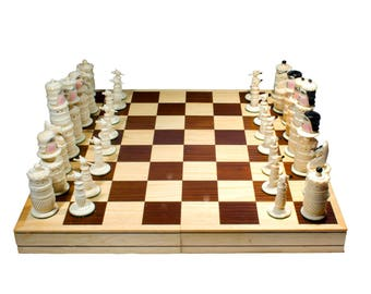 "Handmade Chess. 100% Bovine Bone. Foldable Board: 15.7"" x 15.7"" (40x40 cm)"