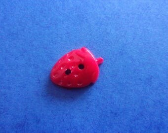 Button-shaped strawberry, relief, red, 2 holes - 15mmx12mm