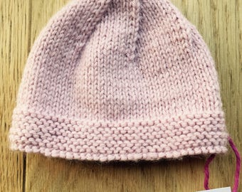 Pale pink hat for Preemie size 32 weeks
